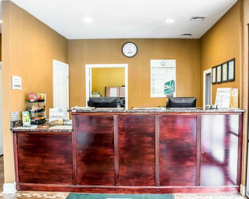 Quality Inn - Madison - Front desk