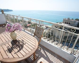 Hotel Villa Antica - Tropea - Balcony