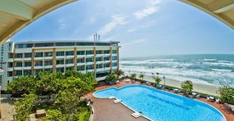 Vung Tau Intourco Resort - Вунг Тау - Бассейн