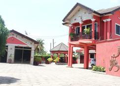 Nego Lodge - Accra - Gebäude