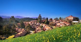Hotel Lakeview - Ooty - Outdoors view