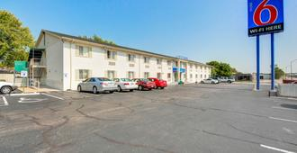 Motel 6 Wichita East - Wichita