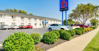 Motel 6 Wichita East - וויצי'טה