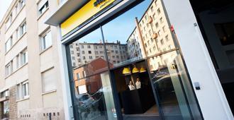 Staycity Aparthotels Rue Garibaldi - Lyon - Building