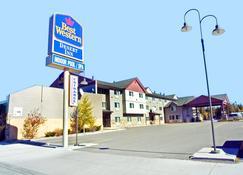 Best Western Desert Inn - West Yellowstone - Rakennus