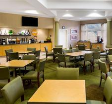 La Quinta Inn & Suites by Wyndham Austin Southwest