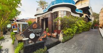 Sun Island Hotel & Spa Legian - Kuta