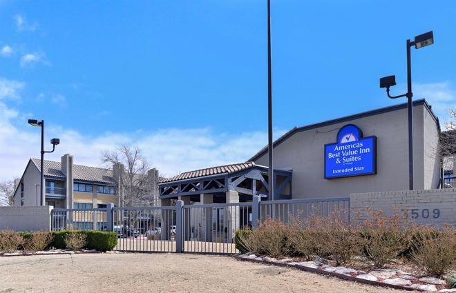 Americas Best Value Inn & Suites Extended Stay Tulsa - Tulsa - Building