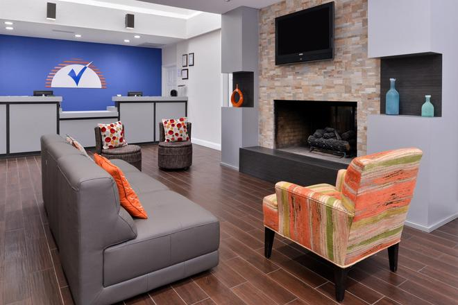 Americas Best Value Inn & Suites Extended Stay Tulsa - Tulsa - Lobby