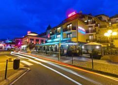 Hôtel Le Littoral - Évian-les-Bains - Rakennus