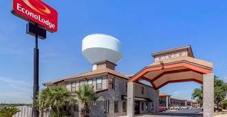 Econo Lodge Near Lackland Air Force Base-Seaworld - San Antonio - Gebäude