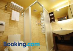 Kindness Hotel - Tainan Chihkan Tower - Tainan - Bathroom