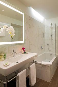 Starhotels Majestic - Turin - Bathroom