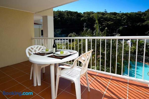 Koala Cove Holiday Apartments - Burleigh Heads - Balcony