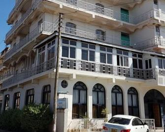 Kenvash Hotel - Naivasha - Gebouw
