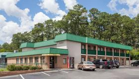 Super 8 by Wyndham Columbia/Ft. Jackson SC - Columbia - Building