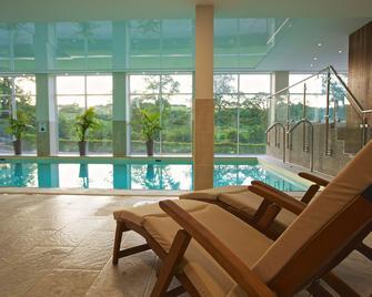 Best Western The Dartmouth Hotel Golf & Spa - Dartmouth - Басейн