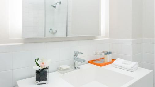 紐約市曼哈頓飯店 - 紐約 - 浴室