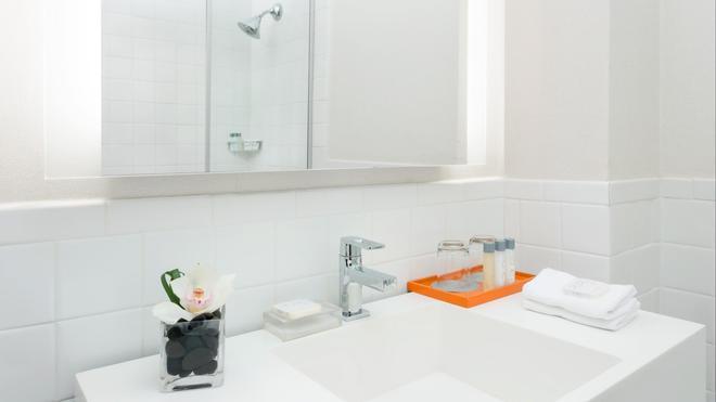 Stewart Hotel - New York - Phòng tắm