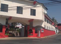 Hotel Parador del Rey - Temixco - Building