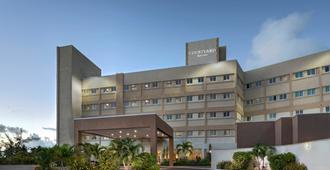 Courtyard by Marriott Nassau Downtown/Junkanoo Beach - Nasáu - Edificio
