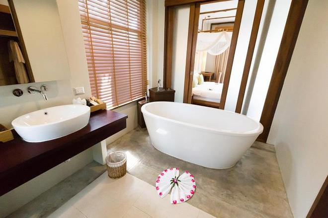 Metadee Resort And Villas - Karon - Bathroom