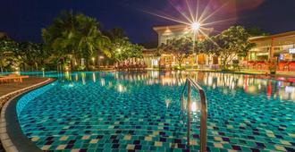 Metadee Resort and Villas (SHA Plus+) - קארון - בריכה