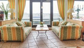 Hotel Domicil Berlin By Golden Tulip - Berlin - Living room