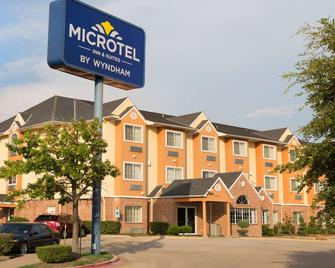 Microtel Inn & Suites by Wyndham Garland/Dallas - Garland - Gebouw