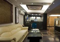 Hotel Pitrashish Premium - New Delhi - Hành lang