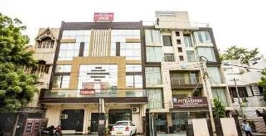 Hotel Pitrashish Premium - New Delhi - Toà nhà
