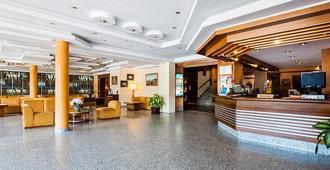 Hotel Regio - Thị trấn Salamanca - Lễ tân
