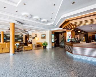 Hotel Regio - Salamanca - Receptionist