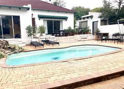 Entertainers Dream House - Johanesburgo - Piscina