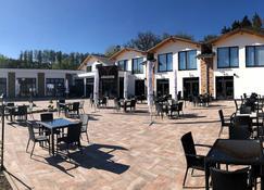 Hotel Asador - Netphen - Patio