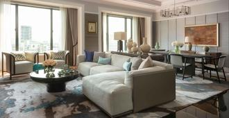 Four Seasons Hotel Singapore (Sg Clean) - Singapore - Living room