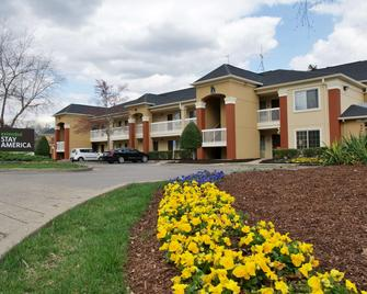 Extended Stay America - Nashville - Airport - Music City - Nashville - Building