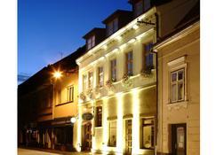 Hotel Pod Zamkem - Velké Meziříčí - Byggnad