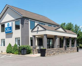 Best Western Dutch Valley Inn - New Philadelphia - Building