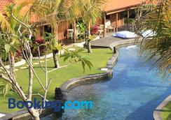 Yoga Searcher Bali - South Kuta - Pool