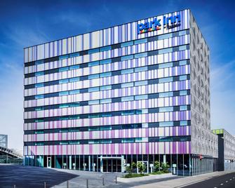 Park Inn by Radisson Leuven - Leuven - Building