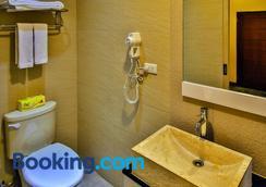 Dawn of Tarot B&B - Taitung City - Bathroom