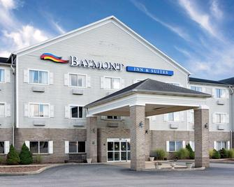 Baymont Inn & Suites Lawrenceburg - Lawrenceburg - Building