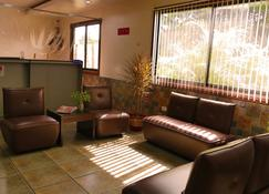Countess Pension House - Liloan - Lounge