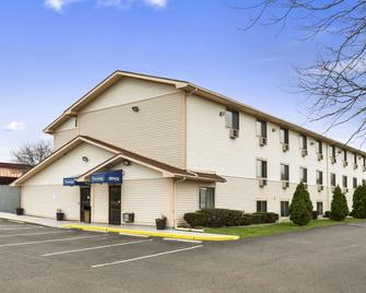Travelodge by Wyndham Battle Creek - Battle Creek - Gebäude