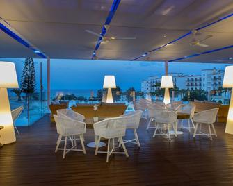 奧德薩海灘飯店 - 帕拉利米尼