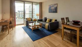 Premier Suites Dublin, Sandyford - Dublin - Living room