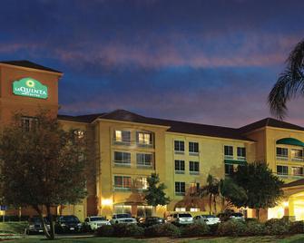 La Quinta Inn & Suites by Wyndham Santa Clarita - Valencia - Stevenson Ranch - Building