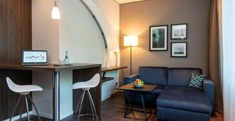 my4walls Serviced Apartments Hamburg - Hamburg - Living room