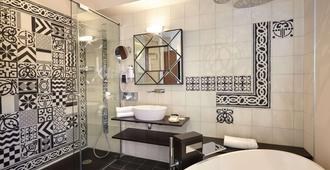 Hotel Saint Christophe - Aix-en-Provence - Bathroom